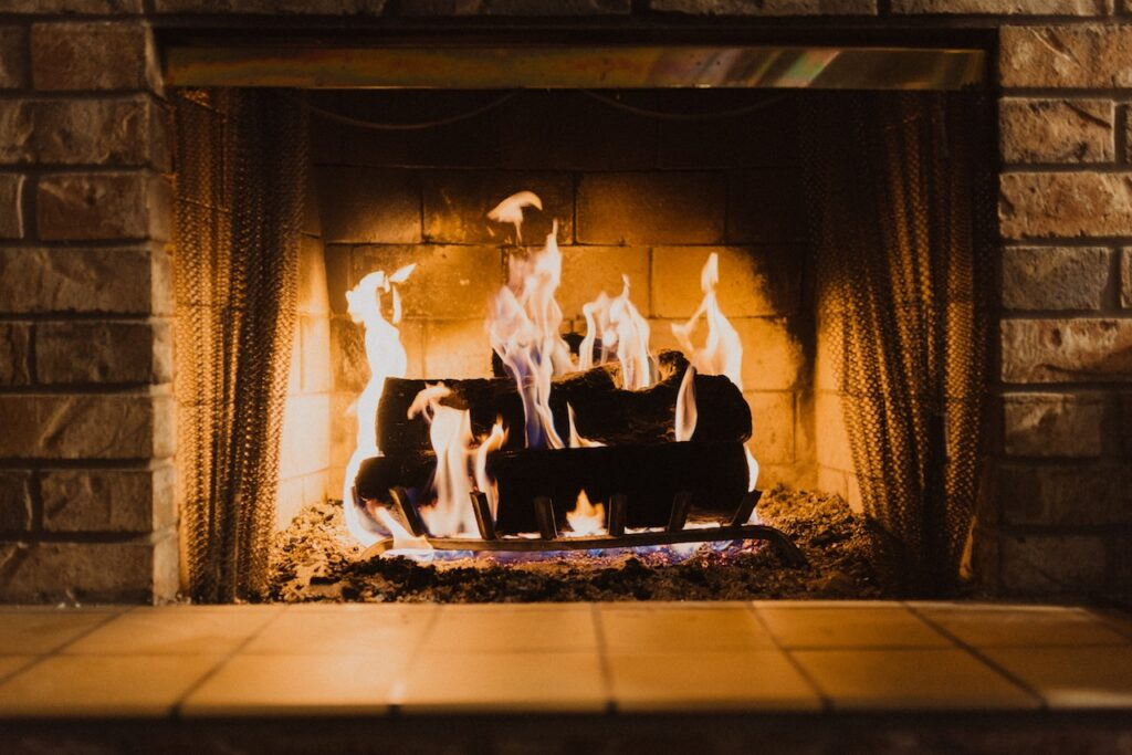 What to Look for In the Best Fireplace Screens