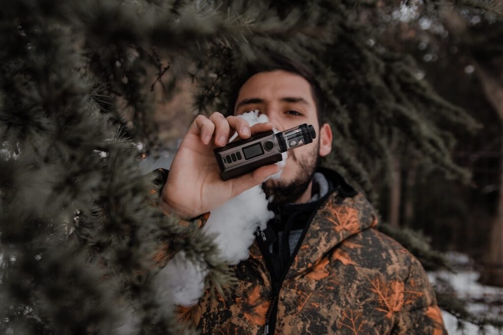 Why You Should Be Using a Tobacco Vape Shop Online